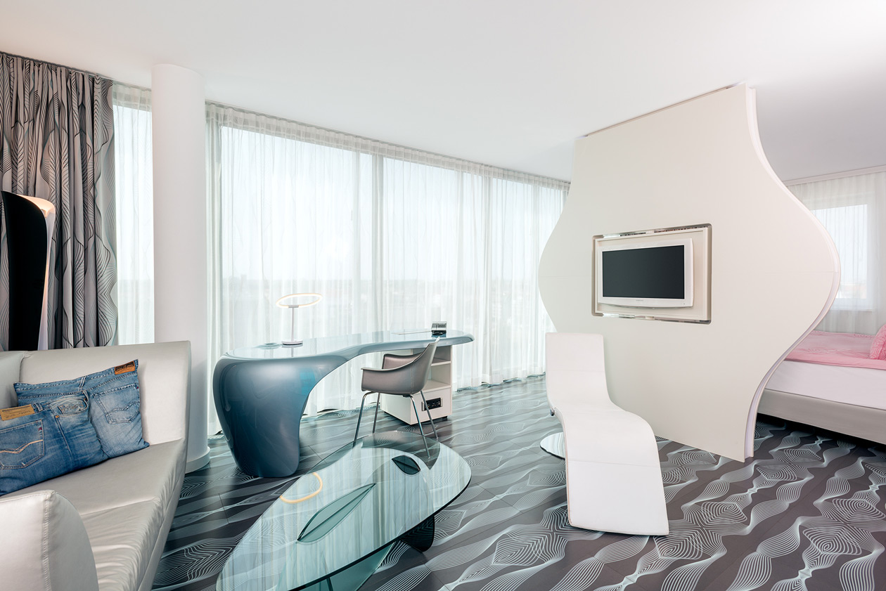 Book junior suite in Berlin | nhow Berlin Hotel